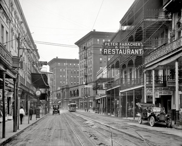 a look at the history of new orleans I've compiled a listicle of my favorite historical photos of new orleans through its complex history, new iconic photos of new orleans look the same, just.